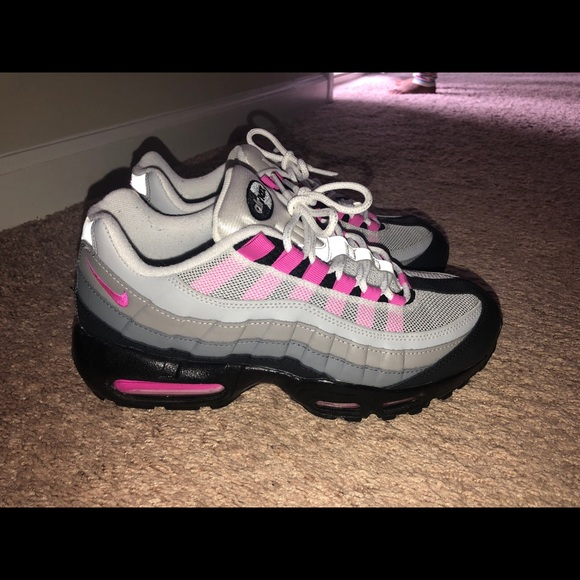low priced a3b0e ffa39 HOT PINK AIR MAX 95 ( NIKE ID). M 5b53812825457a7ac82d39ac